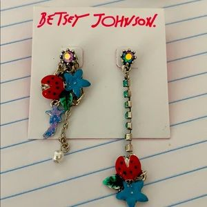 Lady big charm earrings